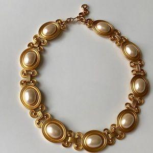 VTG Monet Chunky Gold tone & Pearl Choker Necklace